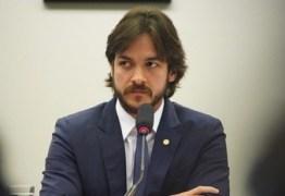 É GOLPE: Pedro Cunha Lima aciona Polícia Legislativa após homem se passar por ele por telefone