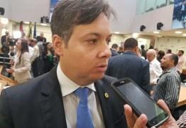 """Júnior Araújo garante que G11 não vai embarcar em manobra da oposição por CPI e impeachment de João: """"O sentimento é de defesa do Governo"""""""