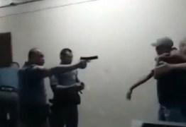 VIOLÊNCIA POLICIAL: PMs são afastados após vídeo mostrar agressões a alunos em escola – ASSISTA