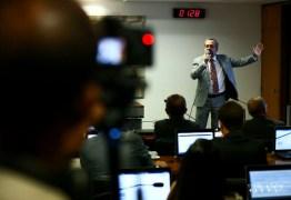 """No Senado, Weintraub diz que Enem foi alvo de """"chuva de fake news"""""""