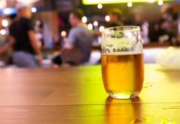 Grande marca de cerveja faz recall de garrafas long neck por risco de lascas de vidro