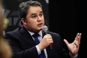 """""""Harmonia entre os Poderes"""", Efraim Filho faz pedido após publicação de Bolsonaro"""
