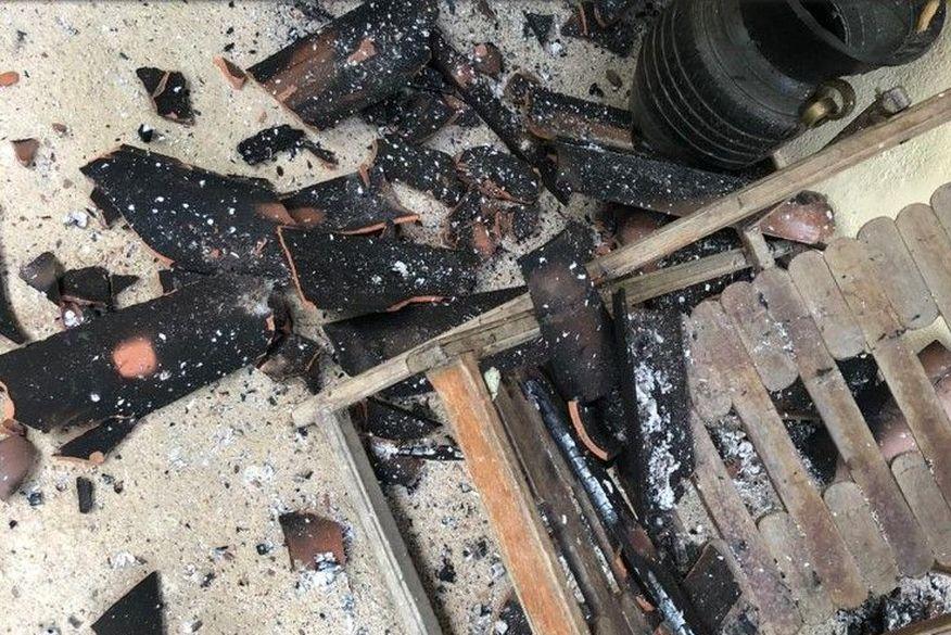 incendio 1 - VIOLÊNCIA E DESTRUIÇÃO: Prefeita tem casa incendiada durante a madrugada e polícia suspeita de ação criminosa