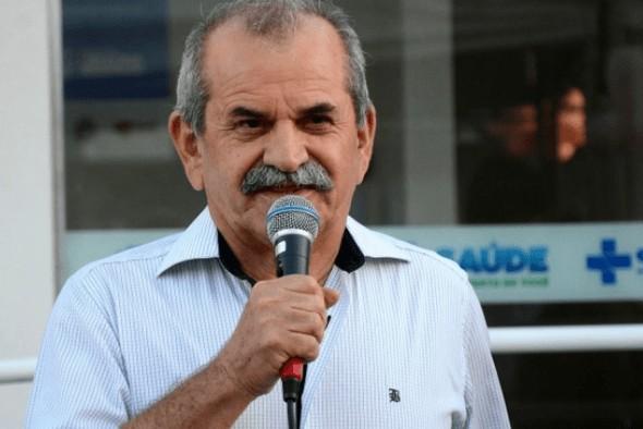 joao bosco uirauna - EM LIBERDADE: Prefeito flagrado com dinheiro na cueca é solto e moradores de Uiraúna fazem nova carreata