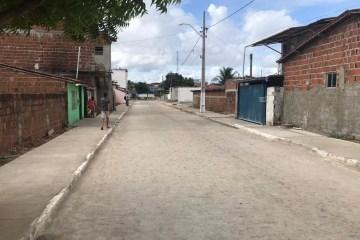 """""""A pavimentação dessa rua atende clamor antigo da população"""" afirma Berg Lima em inauguração da rua João Ferreira da Silva"""