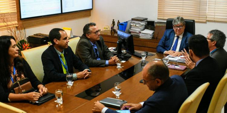 unnamed 10 750x375 - Na Granja Santana: João destaca potencialidades e equilíbrio fiscal da Paraíba em reunião com representantes da Caixa