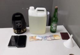 Polícia apreende cerca de seis litros de 'loló' em Campina Grande