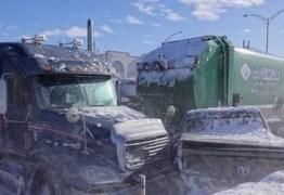 Megaengavetamento com 200 carros mata dois e deixa 100 feridos no Canadá – VEJA VÍDEO