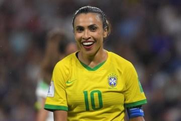 1 000 1hs2dq 11717056 - Marta leiloa camisa para ajudar instituições que lutam contra o coronavírus em periferias brasileiras