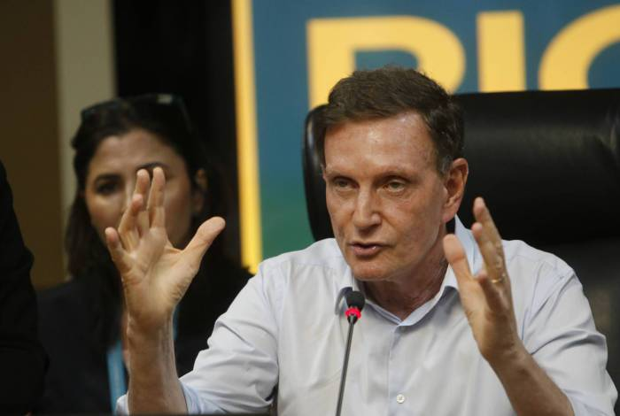 1 prefeitomarcelocrivellasereunecomsecretariado008 16040631 - Câmara do Rio decide barrar processo de impeachment contra o prefeito Marcelo Crivella