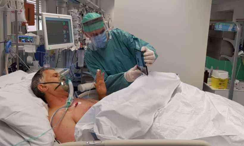 20200325171841205805i - ÚLTIMO ADEUS VIRTUAL: Pacientes terminais com coronavírus ganham tablets para poder se despedir de parentes e amigos nais possam se despedir das famílias