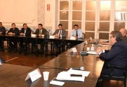 Coronavírus: João Azevêdo se reúne com Cartaxo e Romero e anuncia medidas conjuntas de enfrentamento ao Covid-19