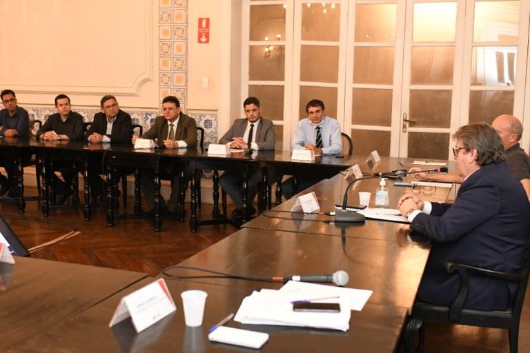 5ea94185 ad7e 473d b9a3 3058c85de024 - Coronavírus: João Azevêdo se reúne com Cartaxo e Romero e anuncia medidas conjuntas de enfrentamento ao Covid-19