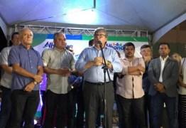 João Azevêdo participa de inauguração de escola municipal em Mata Redonda