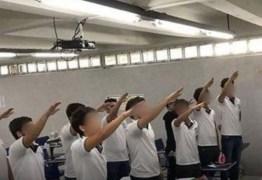 Alunos de escola particular são suspensos após fazerem fotos com saudação nazista