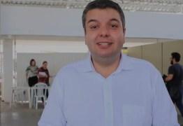 """Diego Tavares anúncia novidades para o """"Programa Escola Social"""" e """"Bolsa Universitária"""" – VEJA VÍDEO"""