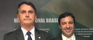 Daniel Freitas Bolsonaro e1584477575274 300x129 - Deputado catarinense é o 13º diagnosticado com Covid-19 a ter viajado com Bolsonaro