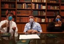 Usando máscara, Bolsonaro faz live e pede adiamento de manifestações do dia 15; VEJA VÍDEO