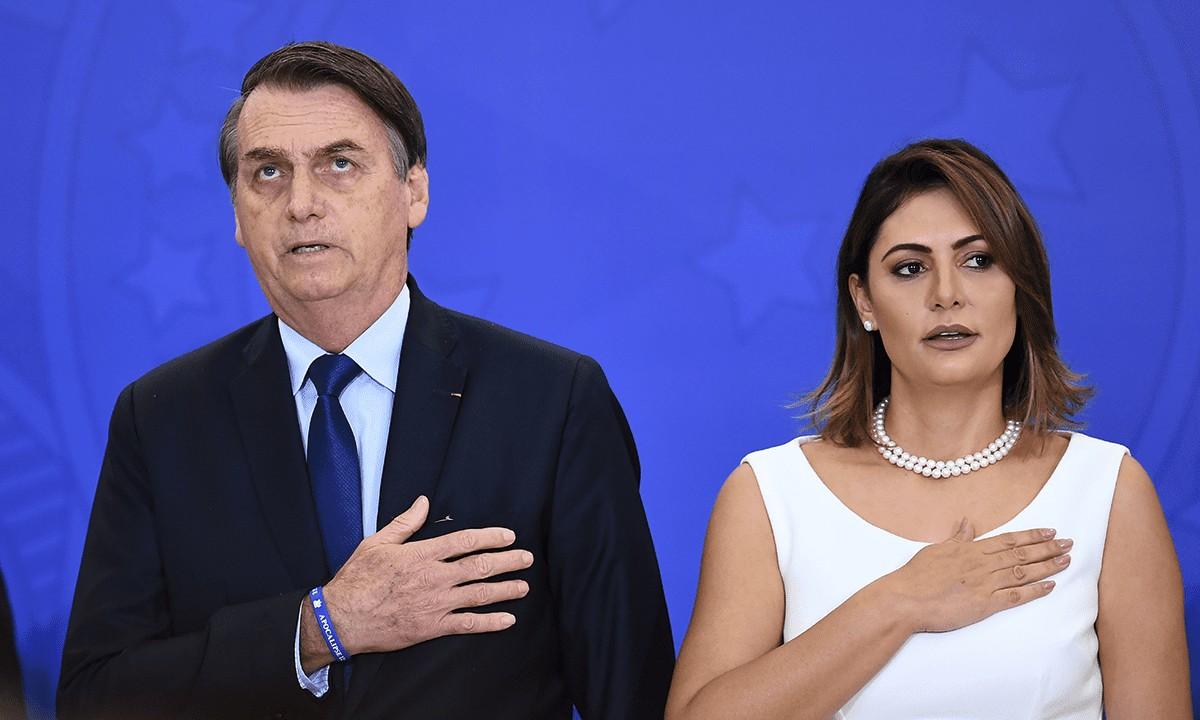 Jair Bolsonaro Michelle 02 1200x720 1 - Coronavírus: Bolsonaro e Michele podem ser os positivos sonegados pelo HFA, dizem fontes do Planalto