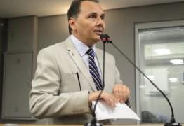 Ludgério avisa que se mantém na disputa para as eleições de Campina Grande e diz que não vai 'engolir nome escolhido entre quatro paredes'