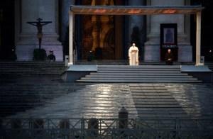 PAPASOZINHO 300x196 - VEJA VÍDEO: Em prece solitária, Papa Francisco concede indulgência plenária por pandemia de Coronavírus