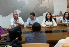 REUNIÃO COM JOÃO AZEVEDO: Buba Germano anuncia candidatura de Gilma Germano em Picuí