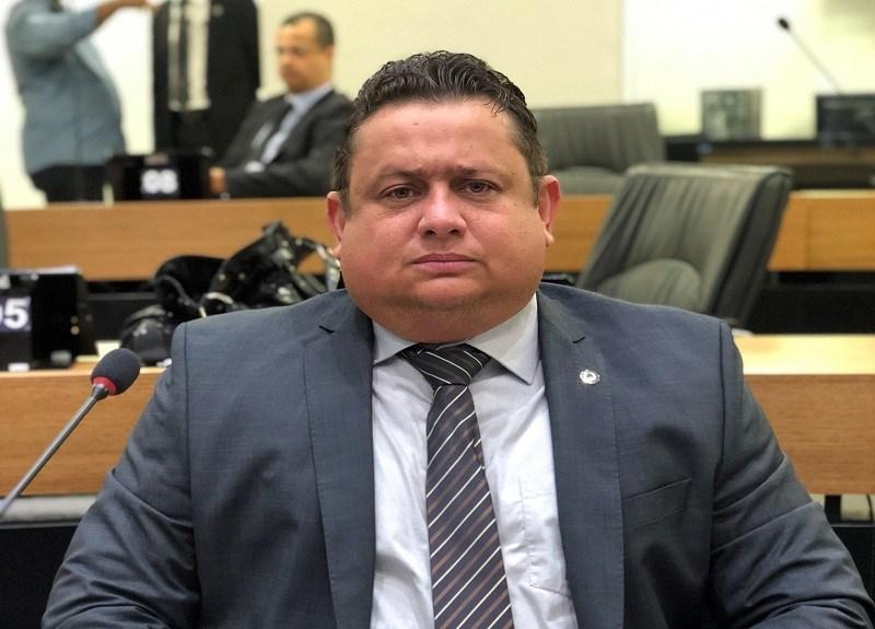 WALLBER - MPE emite parecer favorável à aplicação de multa a Wallber por vídeo ofensivo contra Ricardo