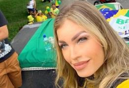 Pâmela Bório participa de carreata pró-Bolsonaro: 'Corrupção mata mais que coronavírus'; VEJA VÍDEO