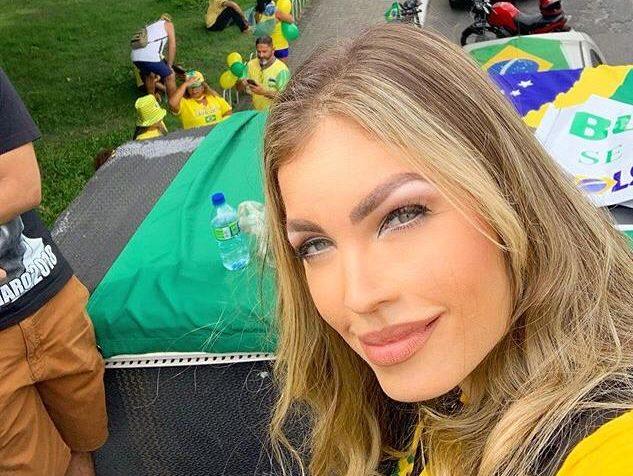 WhatsApp Image 2020 03 15 at 15.20.09 e1584297504406 - Pâmela Bório participa de carreata pró-Bolsonaro: 'Corrupção mata mais que coronavírus'; VEJA VÍDEO