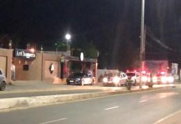 CORONAVÍRUS: consumidores lotam supermercado atacadista da capital e polícia começa trabalho ostensivo nas ruas – VEJA VÍDEO