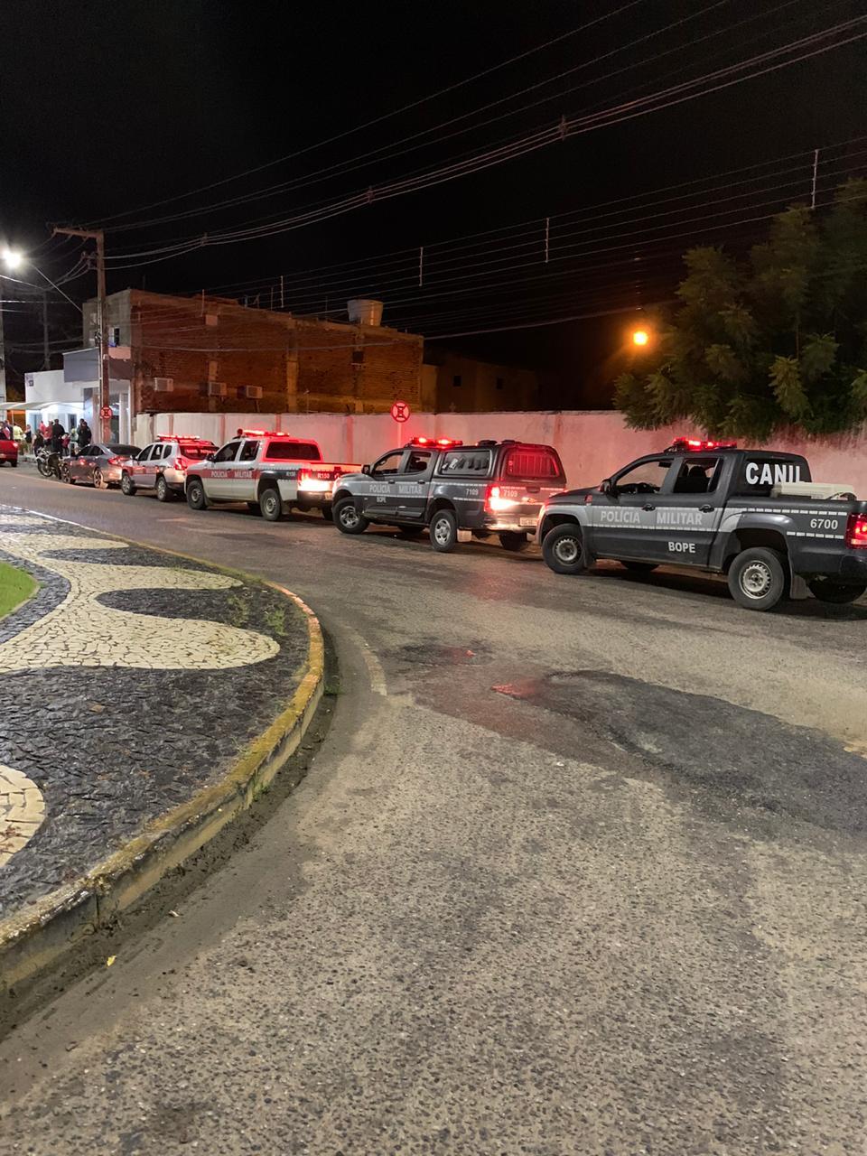 WhatsApp Image 2020 03 20 at 21.33.36 - CORONAVÍRUS: consumidores lotam supermercado atacadista da capital e polícia começa trabalho ostensivo nas ruas - VEJA VÍDEO