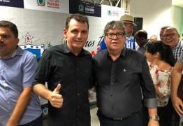 Ao lado de João Azevêdo, prefeito Chico Mendes participa de atos governamentais no Alto Sertão da Paraíba