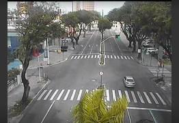 COVID-19: pessoenses ficam em casa e ruas de João Pessoa estão quase desertas