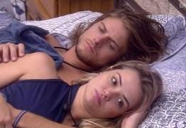 SEM SEXO NO BBB: Daniel e Marcela começam carícias, mas brother desaponta e 'brocha' – VEJA VÍDEO