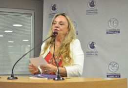 Drª Paula enaltece a ação solidária do Rotary Club na sessão comemorativa aos 115 anos da instituição