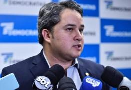 Efraim Filho é contra parar o Congresso Nacional