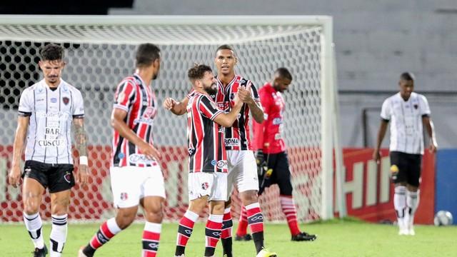 mco 8576 - COPA DO NORDESTE: Botofago-PB joga mal e perde pro Santa Cruz