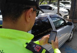 Agentes de trânsito passam a usar plataforma digital em João Pessoa; multas são notificadas pelo celular