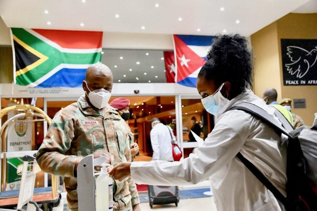 000 1qu2t2 1024x682 - Após Angola, Cuba envia médicos também à África do Sul