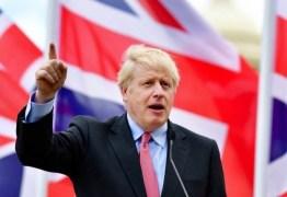 Primeiro-ministro britânico Boris Johnson piora e é transferido para UTI