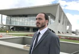 UM VEREADOR NA PRESIDÊNCIA: Membros do governo estariam demonstrando descontentamento após Carlos Bolsonaro ganhar sala no Planalto