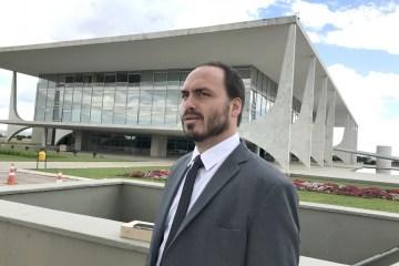 46061969.141501 - UM VEREADOR NA PRESIDÊNCIA: Membros do governo estariam demonstrando descontentamento após Carlos Bolsonaro ganhar sala no Planalto