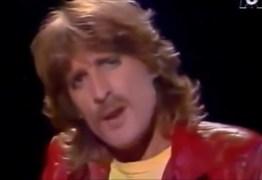 Conhecido pelo sucesso 'Aline', cantor francês Christophe morre aos 74 anos – RELEMBRE