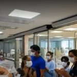 Capturar 51 - CURADA: recém-nascida se recupera de coronavírus e é aplaudida ao ter alta de hospital