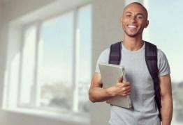 Enem 2020: estudante lança cartilha para ajudar candidatos a alcançarem nota 1000