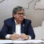 João Azevêdo 1 - Apesar do isolamento social, governador quer sintonia com as ruas - por Nonato Guedes