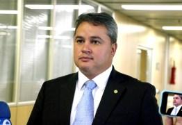 Efraim Filho defende 'pacto interpoderes' pelo Brasil