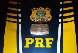 Homem é preso pela PRF com cocaína escondida no painel do veículo, em Mamanguape; VEJA VÍDEOS