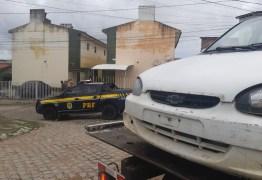 BAYEUX: homem foge da PRF e abandona carro roubado com a esposa
