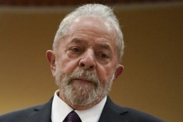 """""""Quem precisa ficar isolado é ele"""", diz Lula sobre Bolsonaro"""